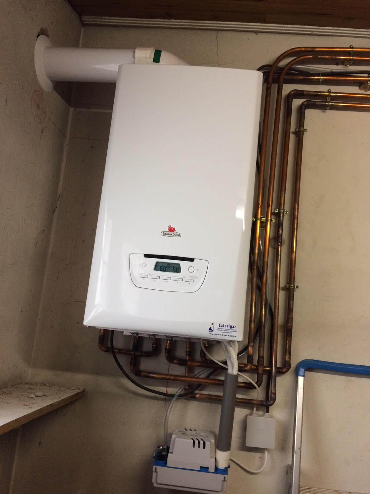 Installation complète d'une chaudière à condensation Saunier Duval avec modification